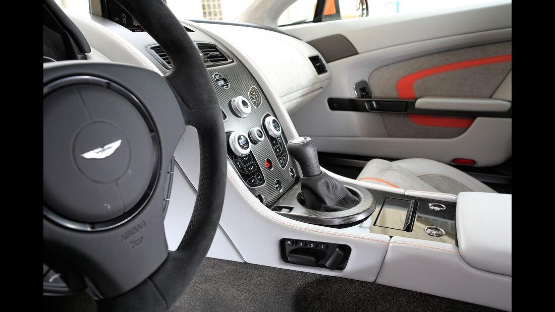 Aston Martin V12 Vantage S, Schalthebel