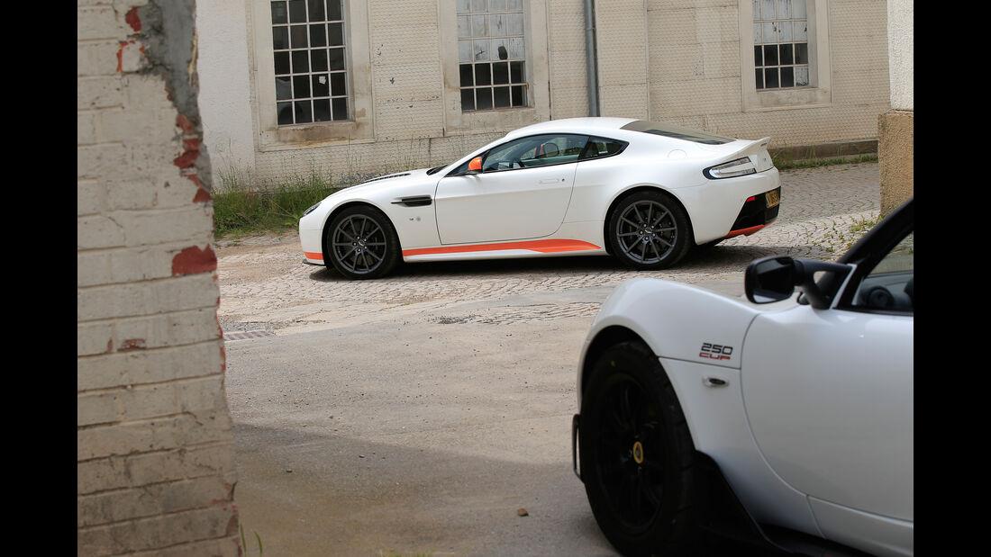 Aston Martin V12 Vantage S, Seitenansicht