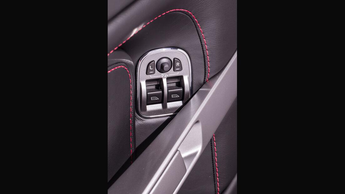 Aston Martin V8 Vantage, Gurtführung