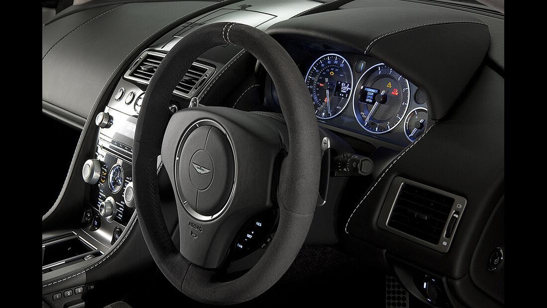 Aston Martin V8 Vantage N420, Cockpit