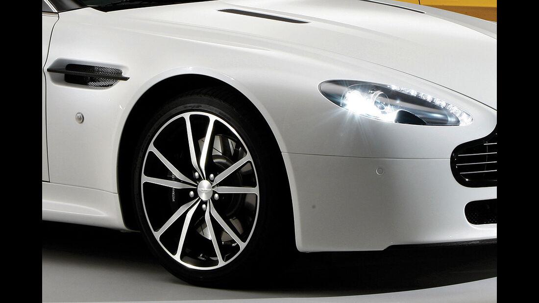 Aston Martin V8 Vantage N420, Felge, Scheinwerfer