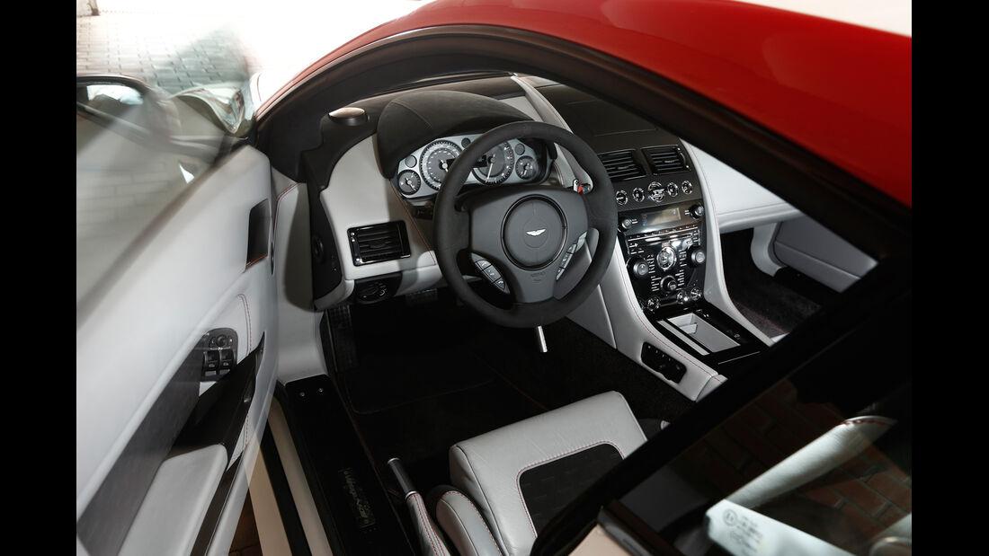 Aston Martin V8 Vantage N430, Cockpit