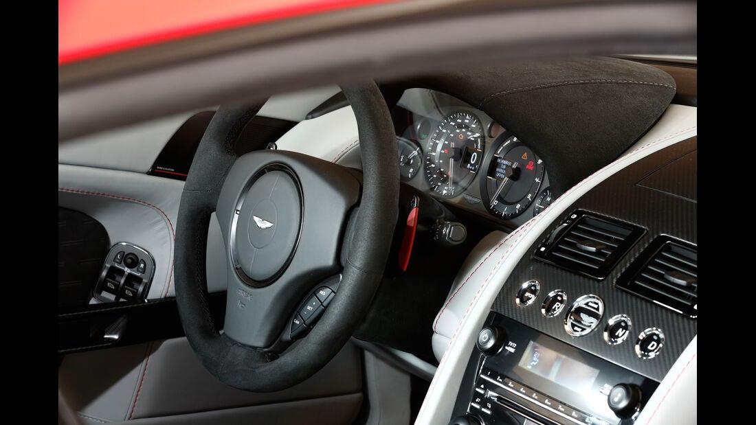 Aston Martin V8 Vantage N430, Lenkrad