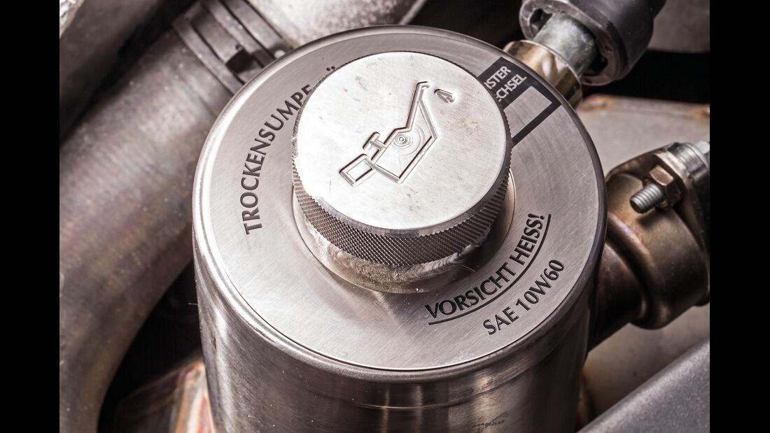 Aston Martin V8 Vantage, Öl