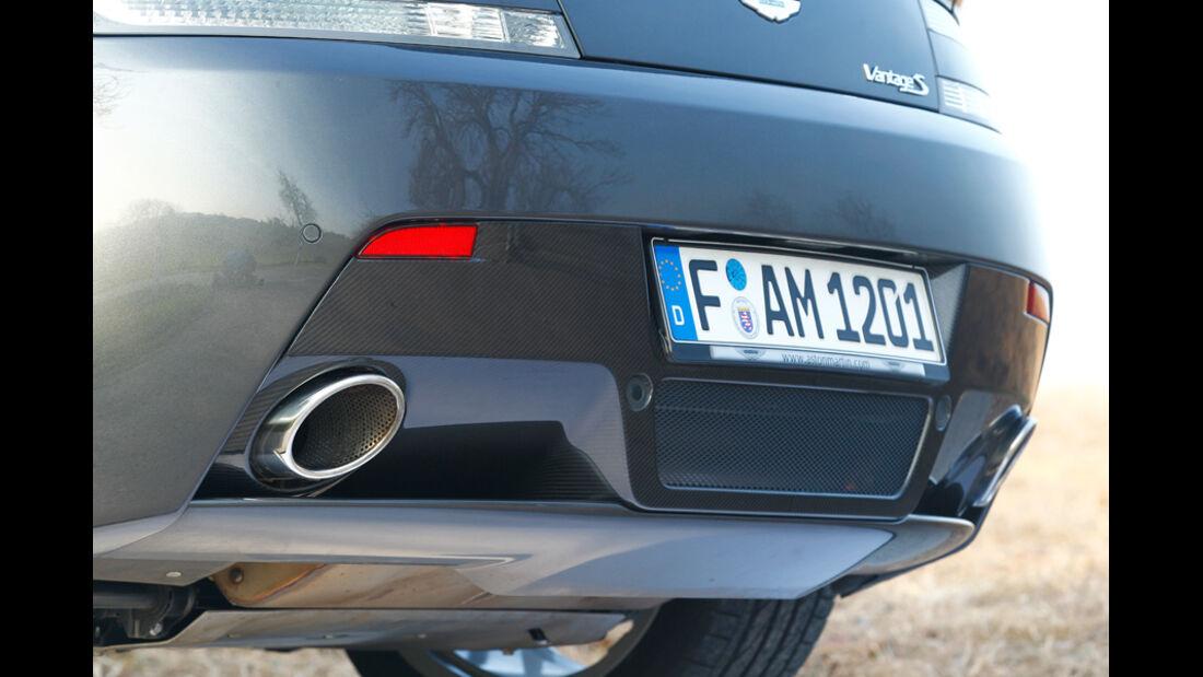Aston Martin V8 Vantage S, Auspuff
