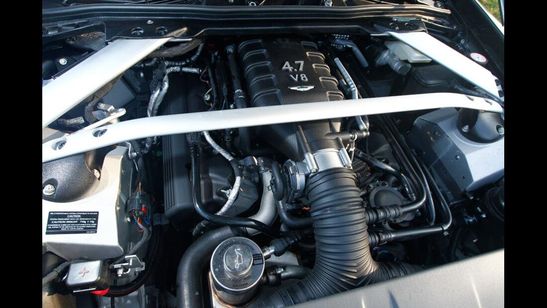 Aston Martin V8 Vantage S, Motor