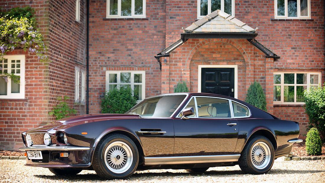 Aston Martin V8 Vantage Saloon
