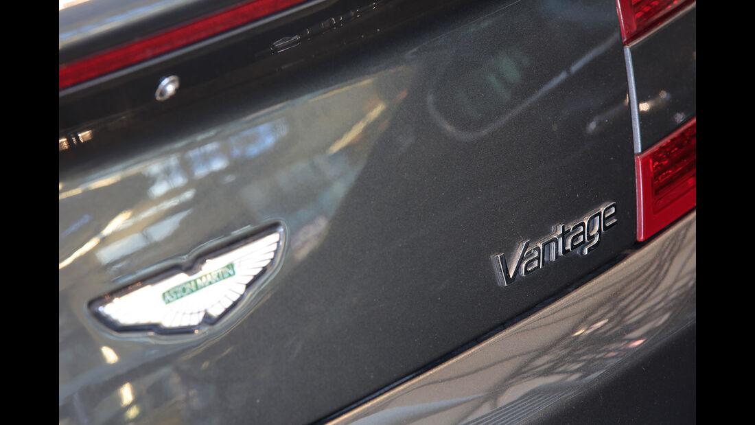 Aston Martin V8 Vantage, Typenbezeichnung