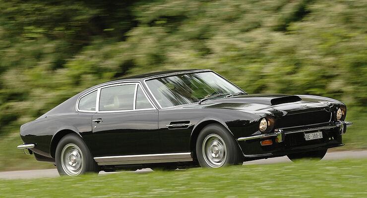 Aston Martin V8 mit Vergaser