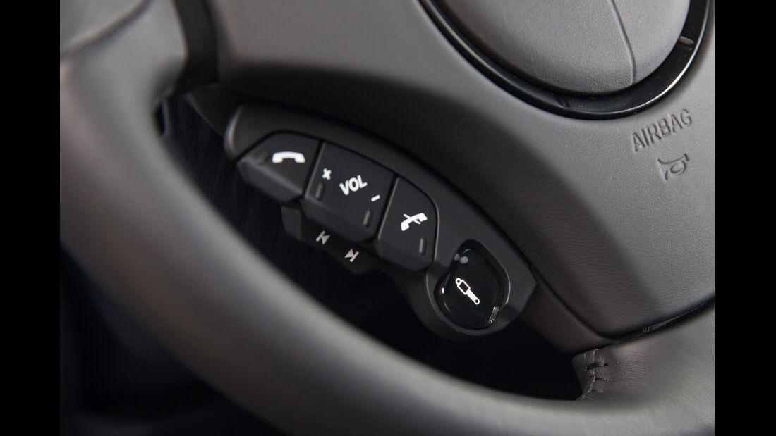 Aston Martin Vanquish, Bedienelemente