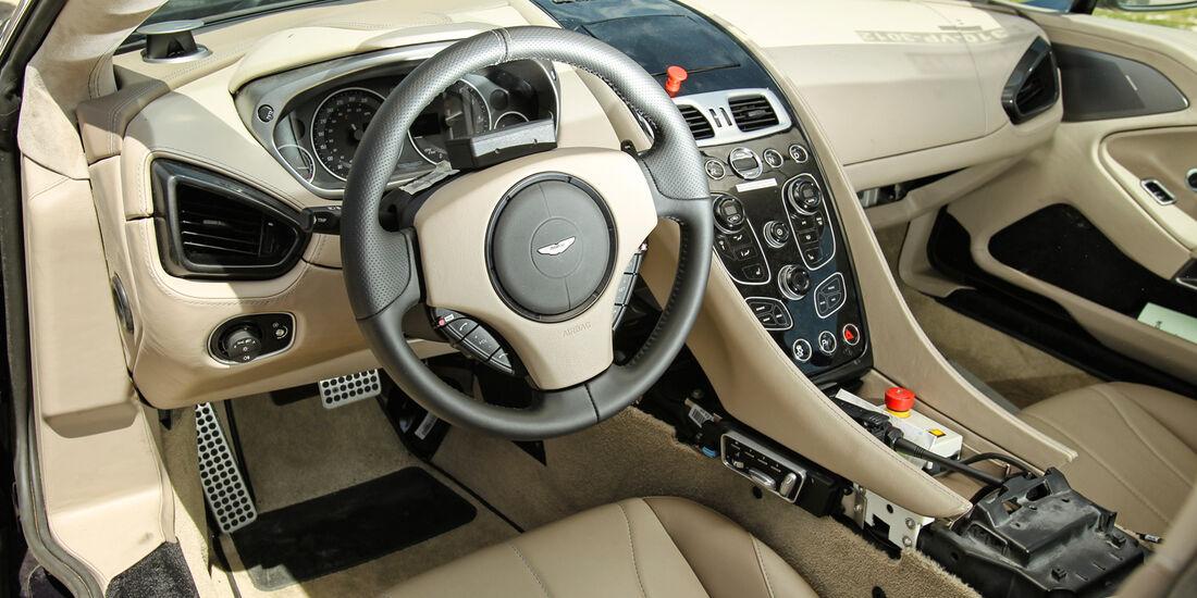 Aston Martin Vanquish, Cockpit, Lenkrad