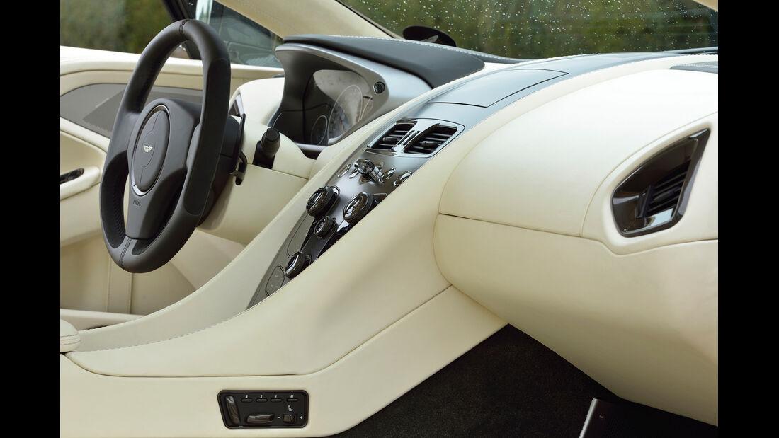 Aston Martin Vanquish, Cockpit, Mittelkonsole