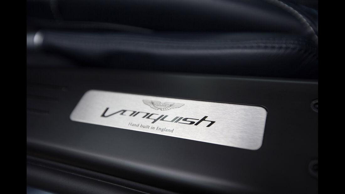 Aston Martin Vanquish, Fußleiste