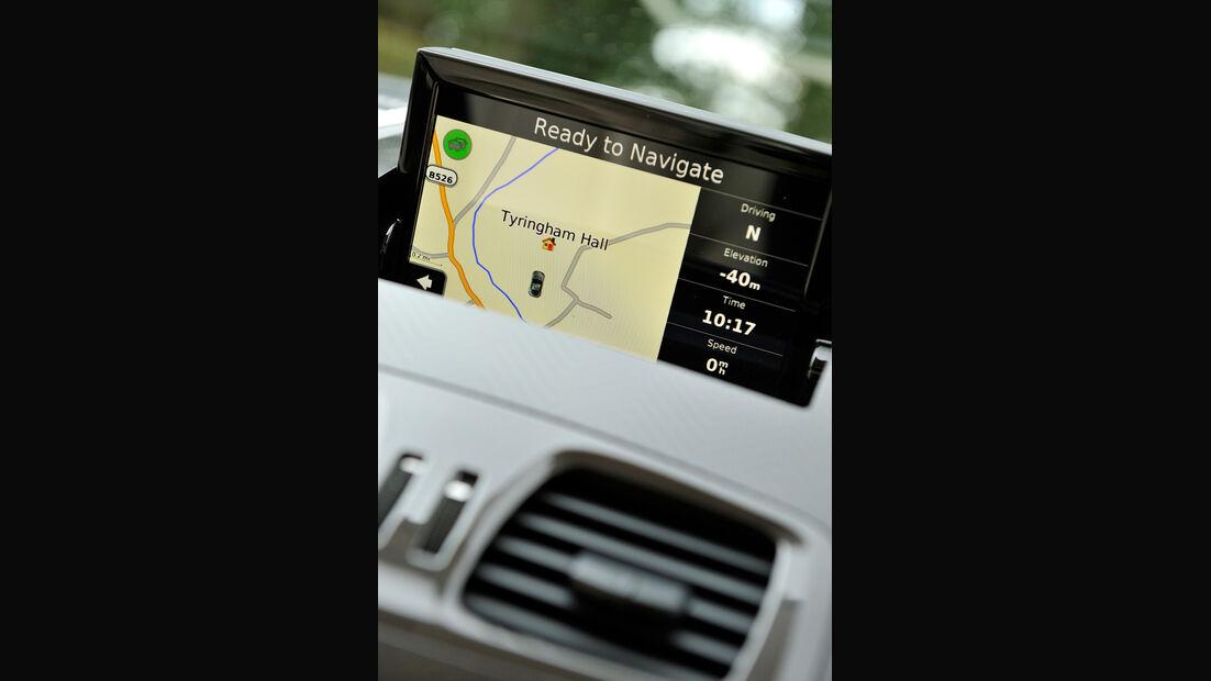 Aston Martin Vanquish, Navi, Bildschirm