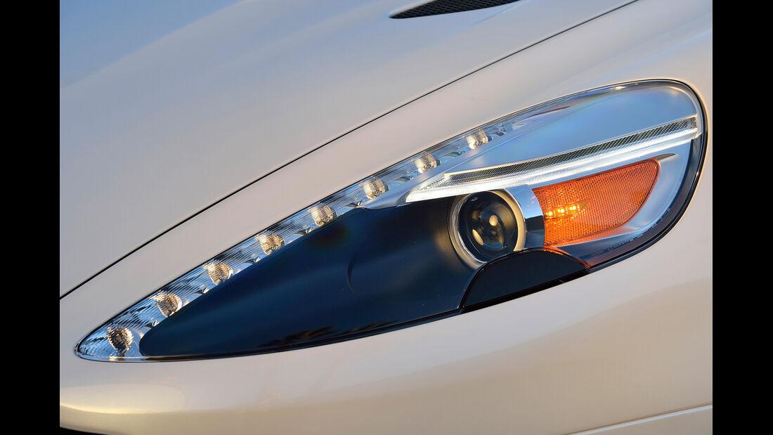 Aston Martin Vanquish Volante, Frontscheinwerfer