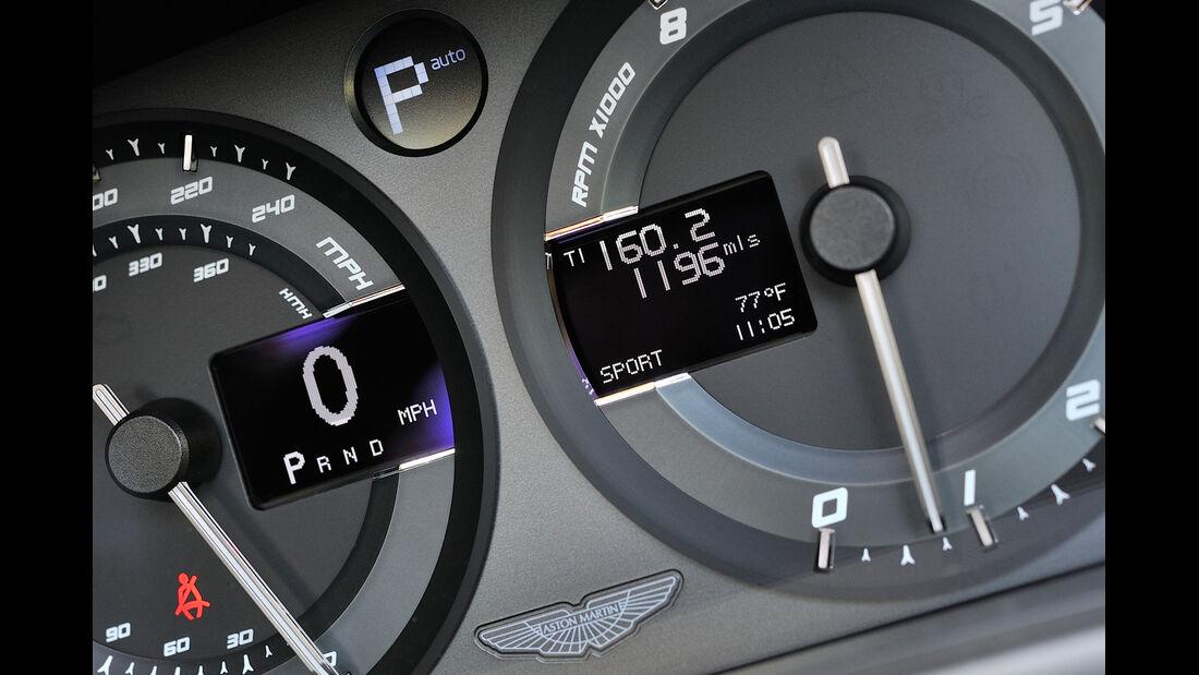 Aston Martin Vanquish Volante, Rundinstrumente