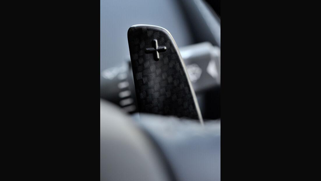 Aston Martin Vanquish Volante, Schalterwippe