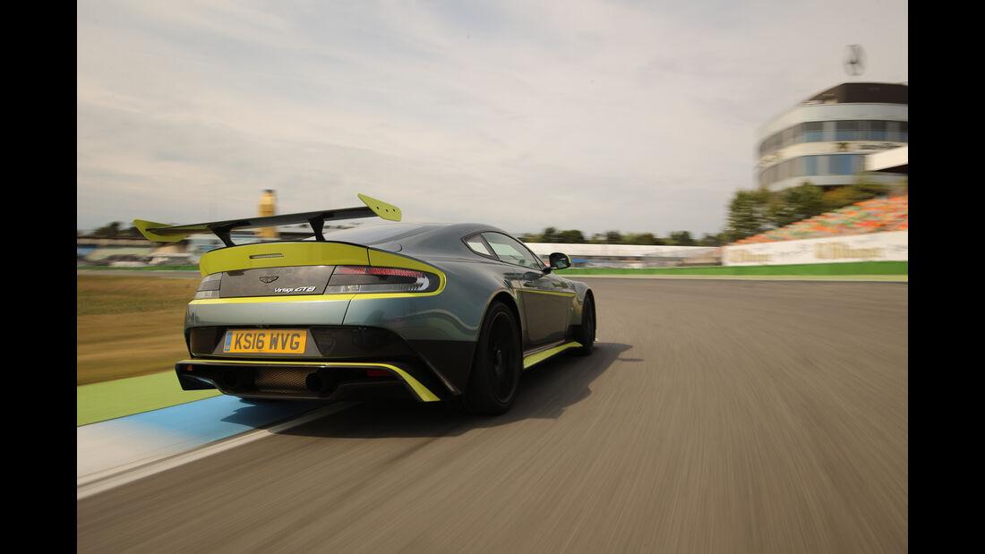 Aston Martin Vantage GT8, Heckansicht