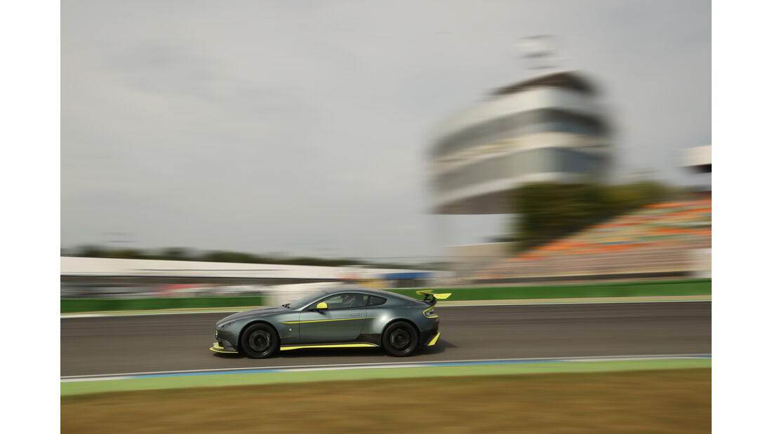 Aston Martin Vantage GT8, Seitenansicht
