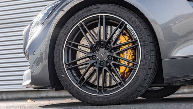 Aston Martin Vantage Roadster, Exterieur