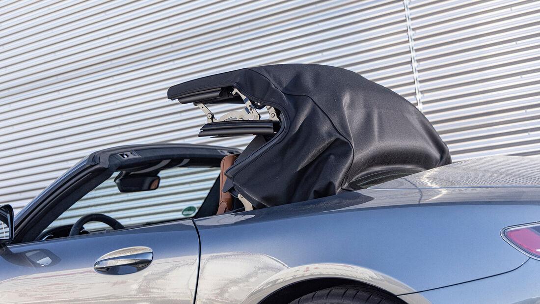 Aston Martin Vantage Roadster, Verdeck
