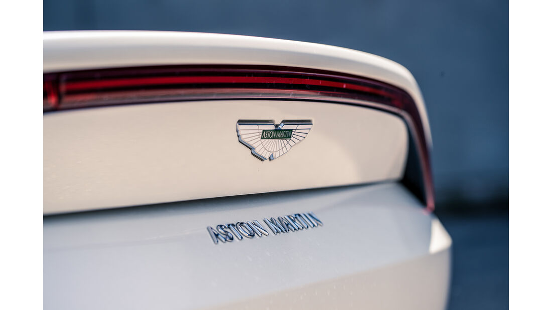 Aston Martin Vantage V8, Exterieur
