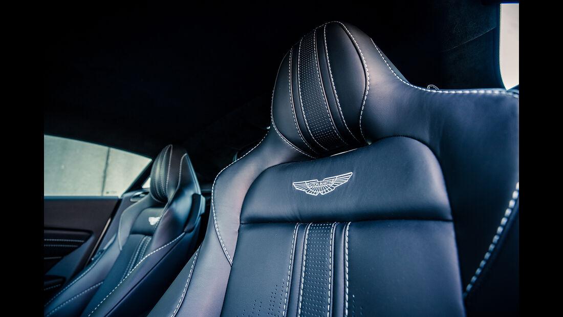 Aston Martin Vantage V8, Interieur