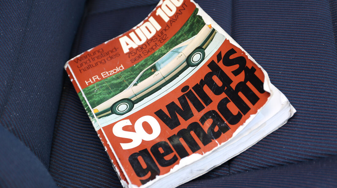 Audi 100 CS, Typ 44, Handbuch
