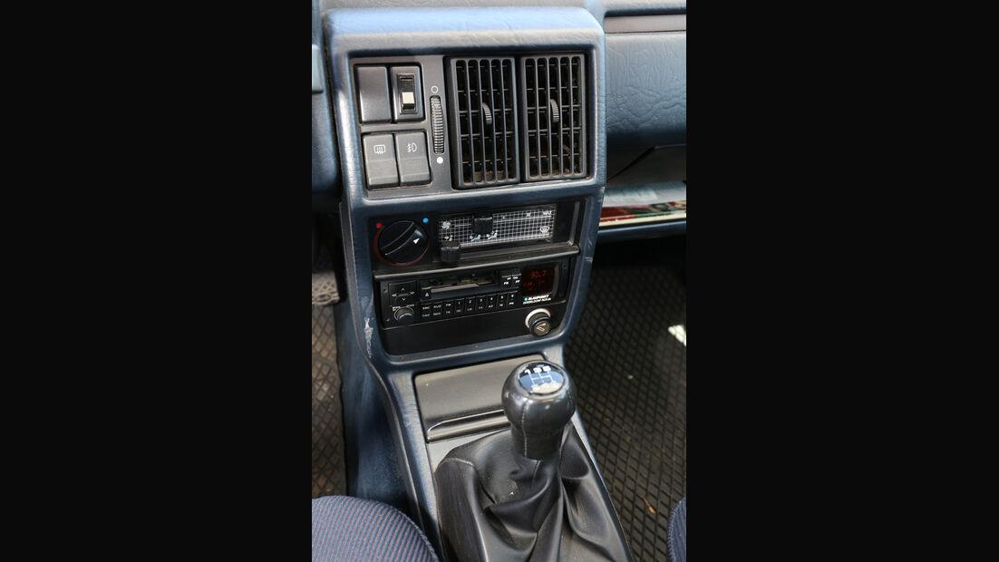 Audi 100 CS, Typ 44, Mittelkonsole