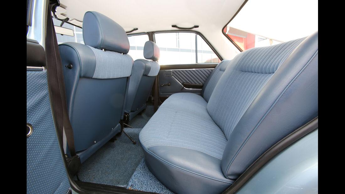 Audi 100 LS, Rücksitz, Beinfreiheit