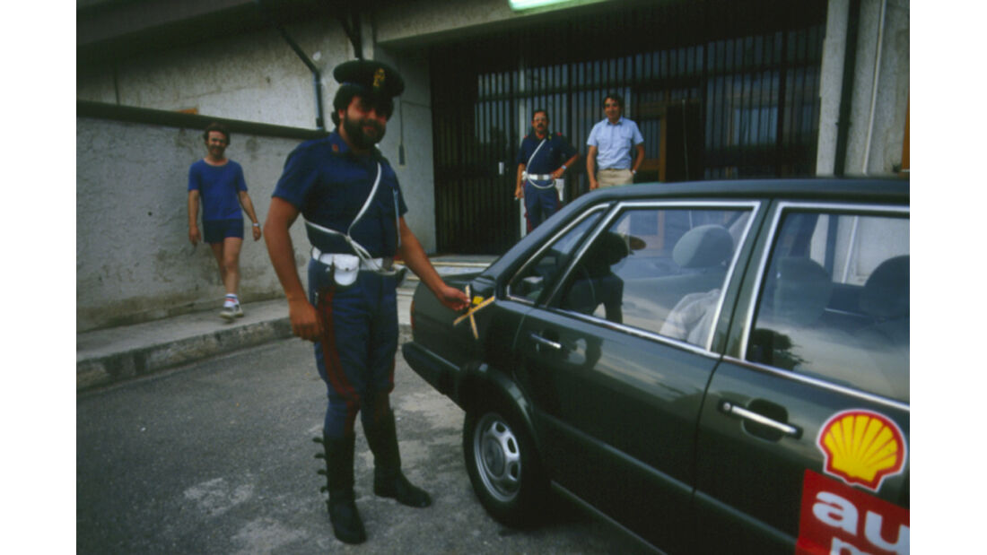 Audi 80 Diesel, Italien, Polizist