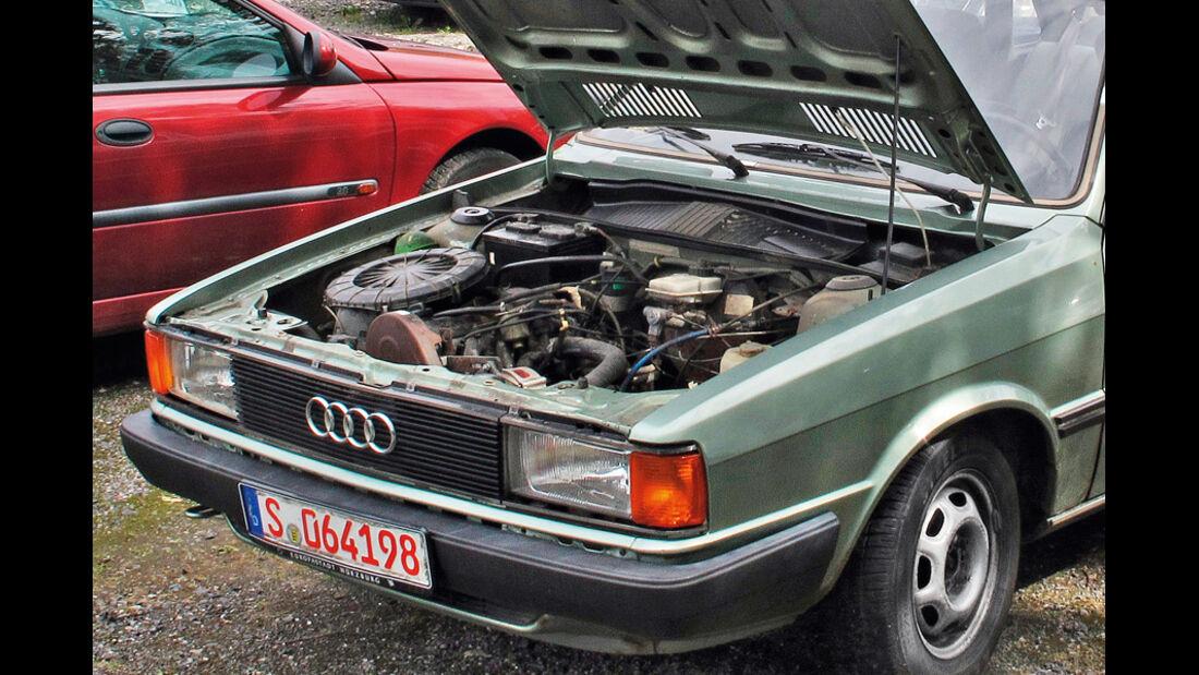 Audi 80, Motorhaube, Motor