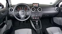 Audi A1 Sportback 1.2 TFSI, Cockpit, Lenkrad