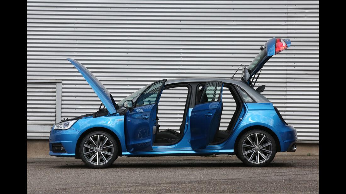 Audi A1 Sportback 1.4 TFSI, Seitenansicht, Türen offen