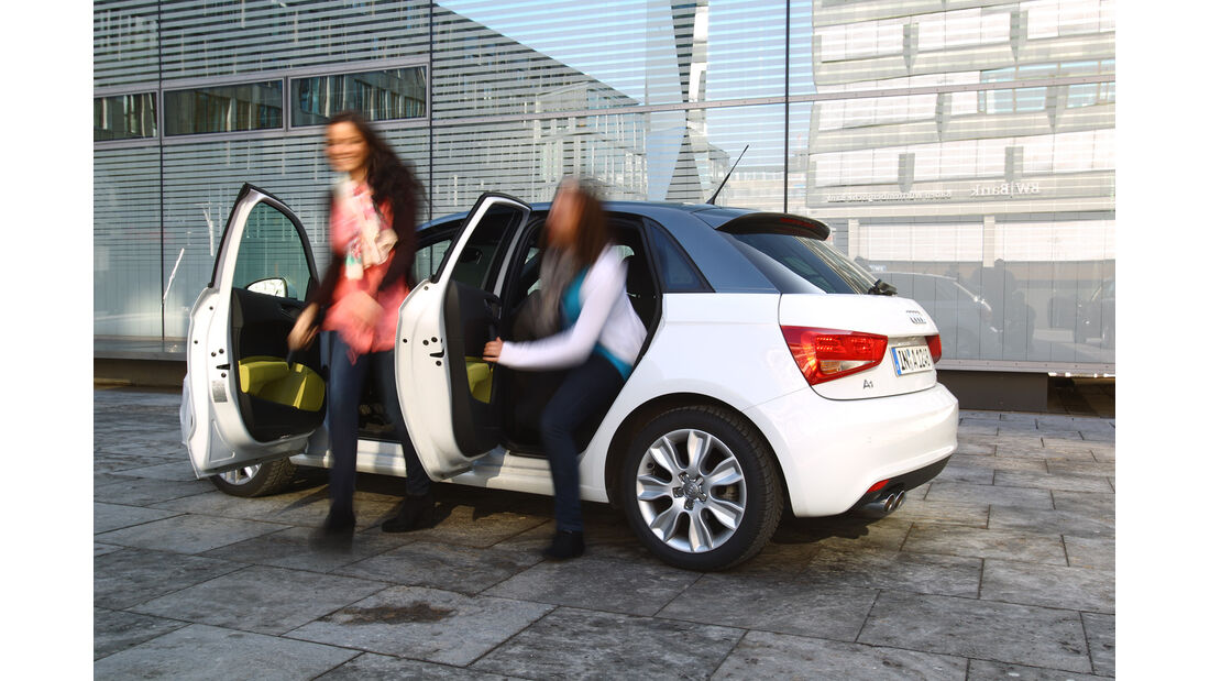 Audi A1 Sportback 2.0 TDI Ambition, Seitentüren offen