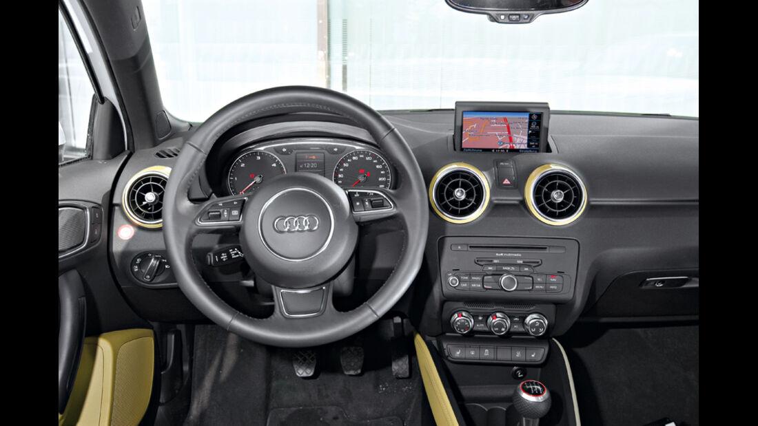 Audi A1 Sportback 2.0 TDI, Cockpit, Lenkrad