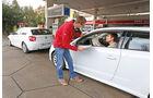 Audi A3 1.6 TDI Ultra, BMW 116d Efficient Dynamics Edition, Tankstelle
