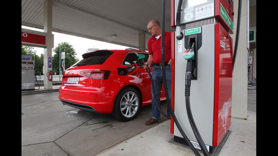 Audi A3 1.8 TFSI, Tankstelle