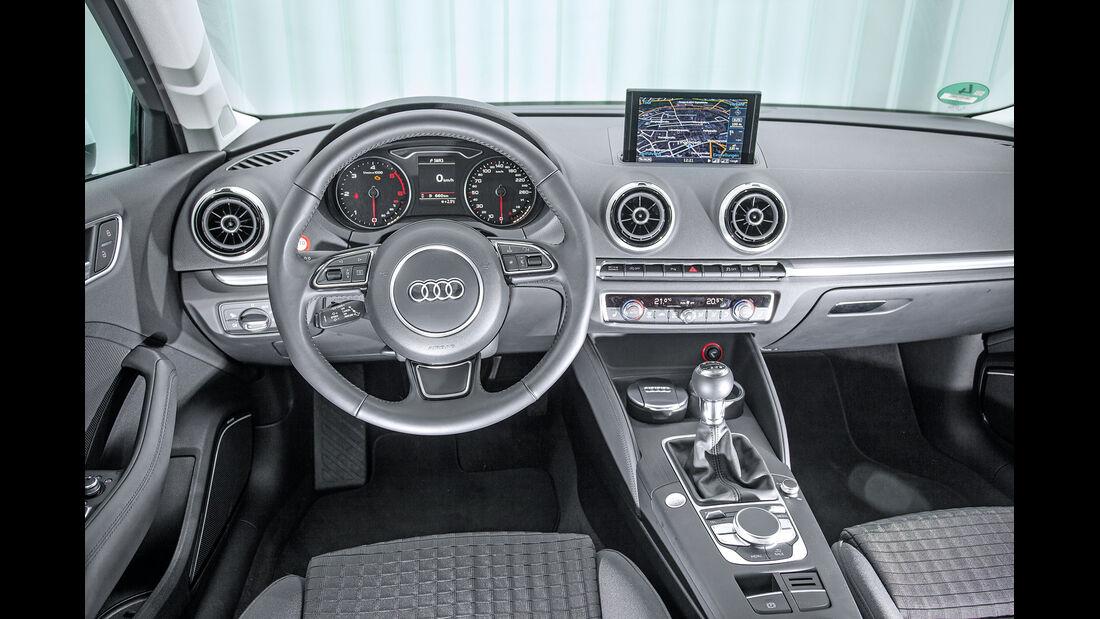 Audi A3 2.0 TDI, Cockpit, Lenkrad