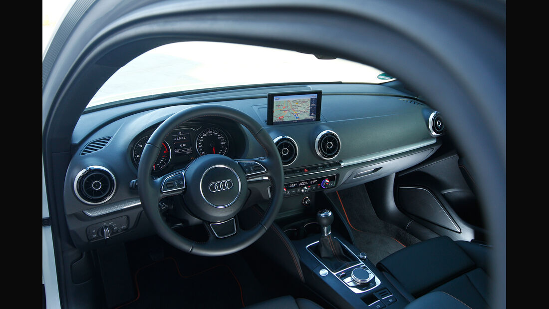 Audi A3 2.0 TDI, Lenkrad, Cockpit