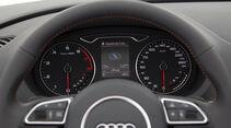 Audi A3, Instrumente, Zentraldisplay