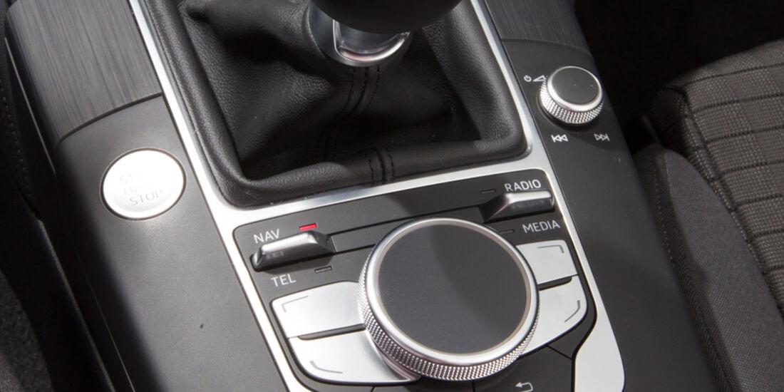 Audi A3 Sportback 1.6 TDI, Schalthebel, Schaltknauf