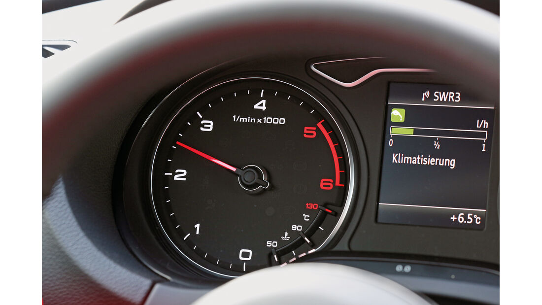 Audi A3 Sportback 2.0 TDI, Drehzahlmesser, Rundinstrument