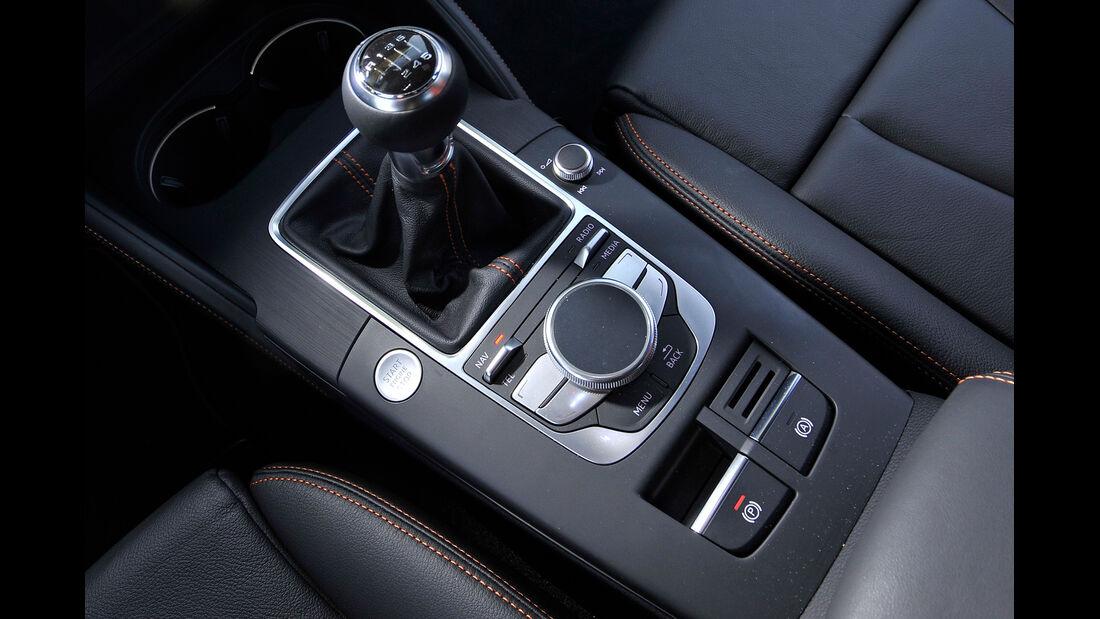 Audi A3 Sportback 2.0 TDI, Schalthebel, Schaltknauf
