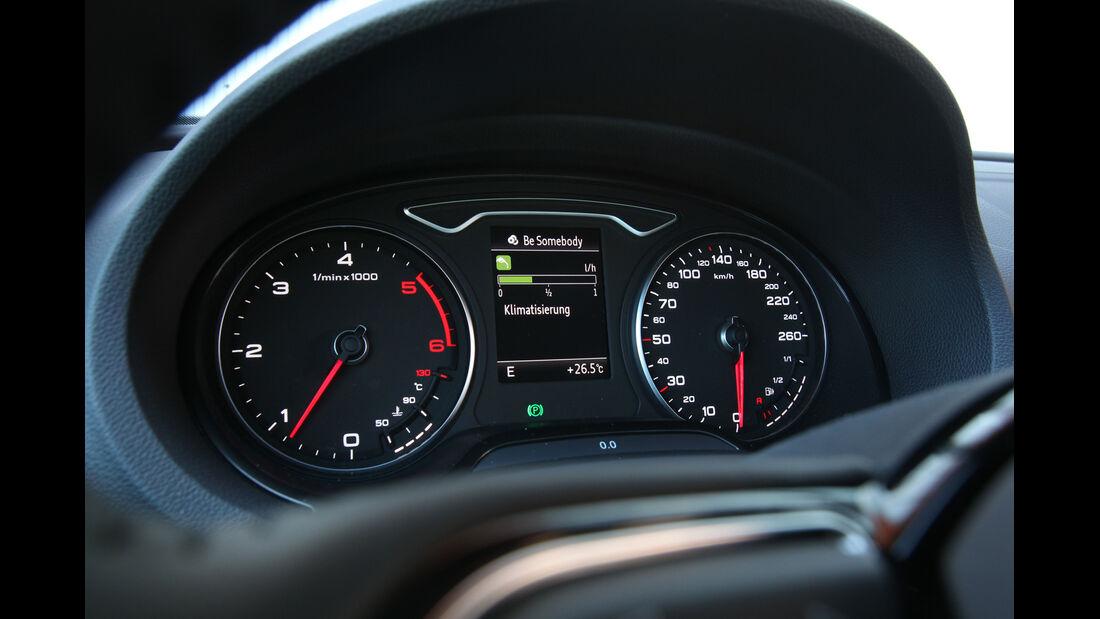 Audi A3, Tacho, Rundinstrumente