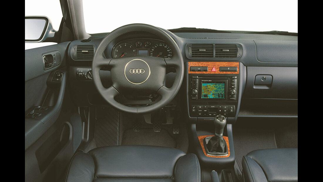 Audi A3, erste Generation, Cockpit