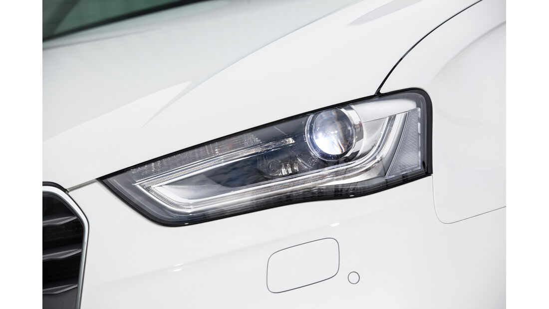 Audi A4 2.0 TDI, Frontscheinwerfer