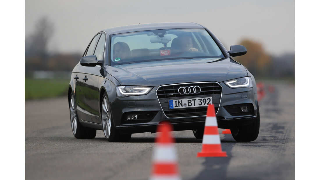 Audi A4 3.0 TDI Clean Diesel Quattro, Frontansicht, Slalom
