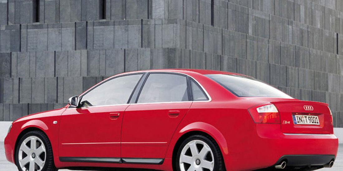 Audi A4, Anzeigeinstrumente, Tacho, Detail