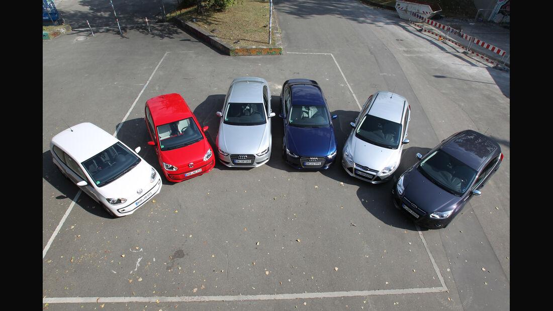 Audi A4, Ford Focus, VW Up, von oben
